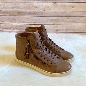 UGG Blaney High Top Leather Sneaker